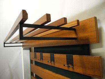 Rockin furniture 60er teak garderobe for Garderobe 60er design